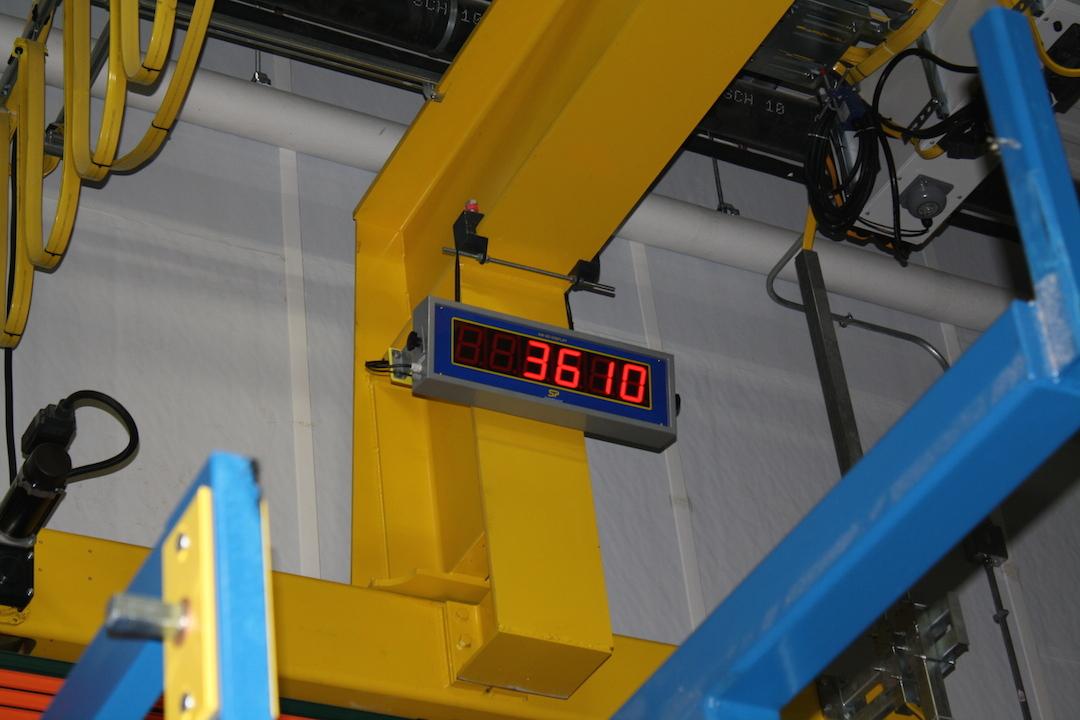 Hoist Load Indicator : Find a distributor low headroom below the hook system